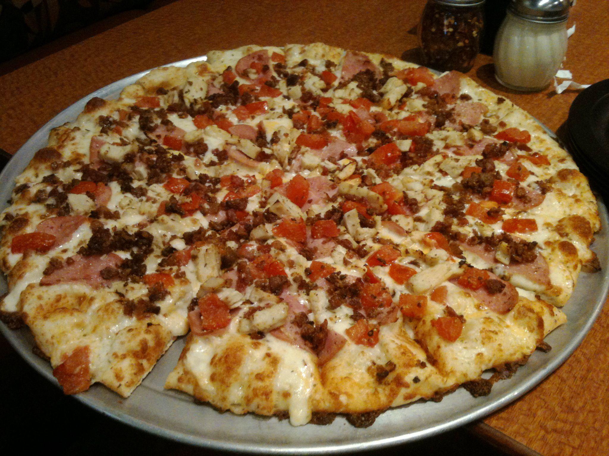 Redonkeylicious pizza by Roundtable custom • Bacon • Ham