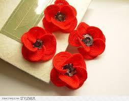Znalezione obrazy dla zapytania kwiaty szydełkowe do czapek i kapeluszy