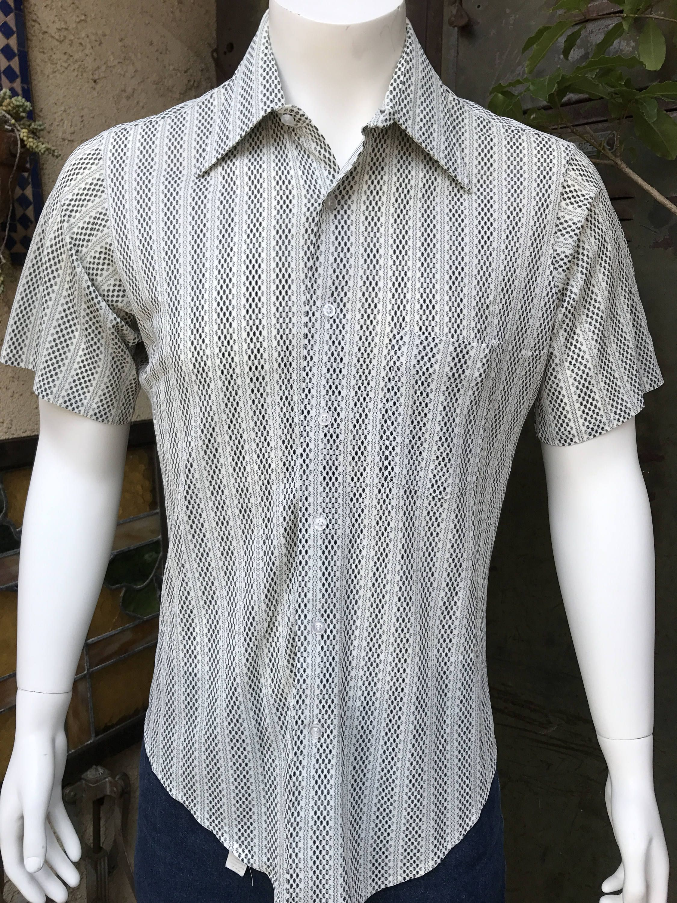 Vintage Men's Clothing •70's Short Sleeve Button-Up Shirt • Navy Blue with Square Pattern • Polyester •Mr. Jay •Made in California GLvGVQu