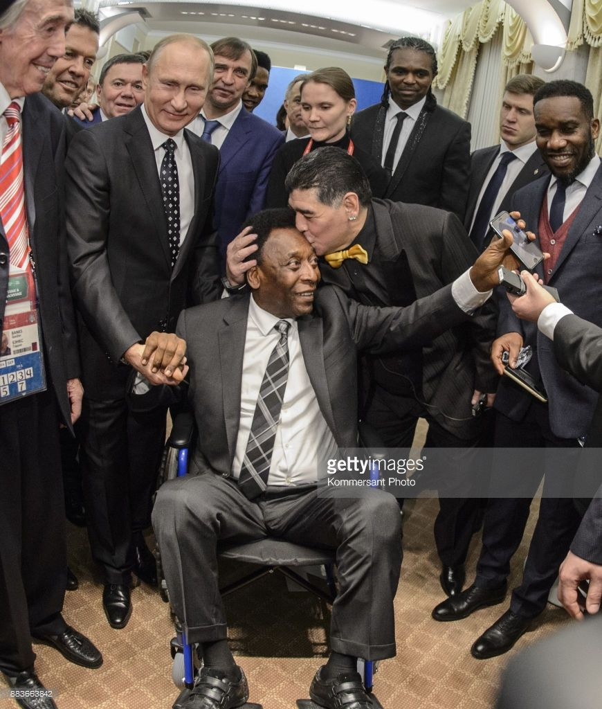 The Final Draw Of Fifa World Cup Russia 2018 After The Draw Putin Pele And Maradona Photos And Premium High Res Pictures Pele World Cup World Football
