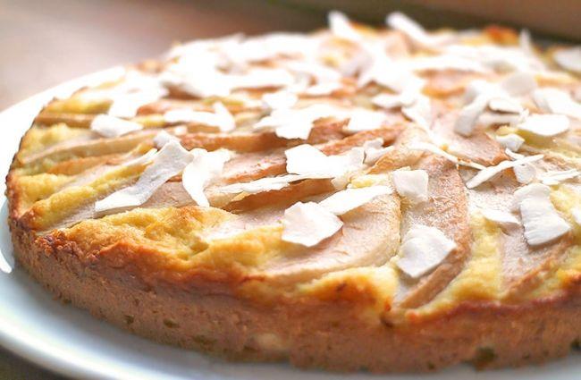 Herrlich Saftiger Low Carb Kokos Birnen Kuchen Mit Einem Ruhrteig
