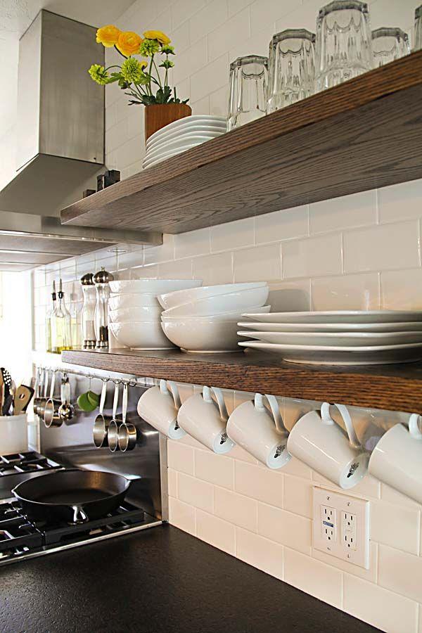 Ecco 20 idee per ripiani intelligenti quando la tua - Ripiani per cucina ...