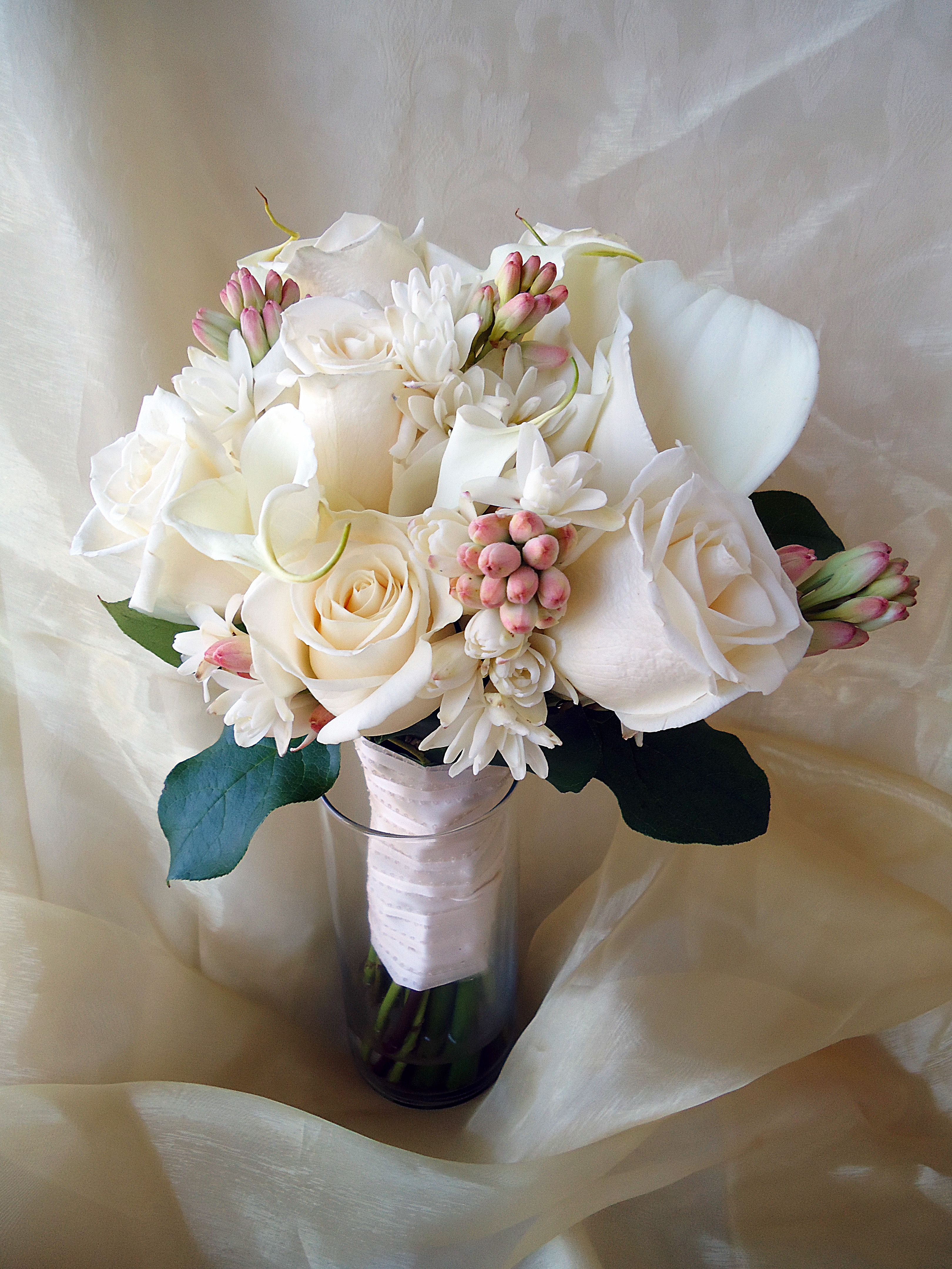 san diego wedding flowers: elegant bridal bouquet with white