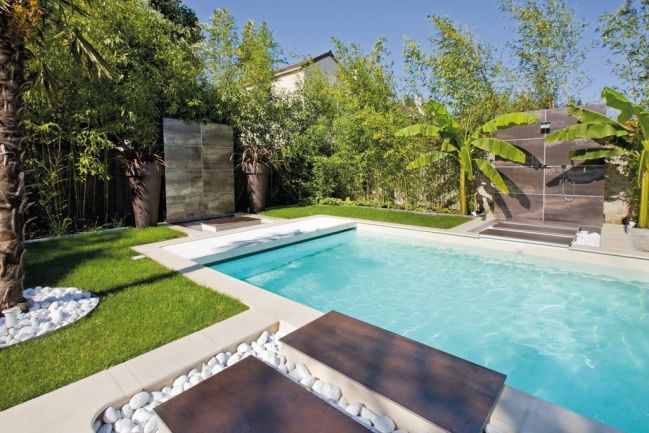 con us telle une pi ce de vie le jardin et sa piscine sont le th tre de la nature on y vient. Black Bedroom Furniture Sets. Home Design Ideas