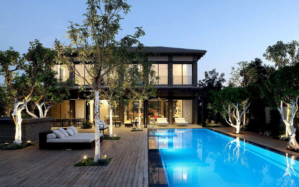 Amazing Front Yard Pools Part - 13: Home U0026 Apartment: Ramat Hasharon House Front Yard Infinity Pool And Wooden  Deck And Relax