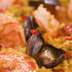 How to Make Traditional Spanish Paella #spanishmeals