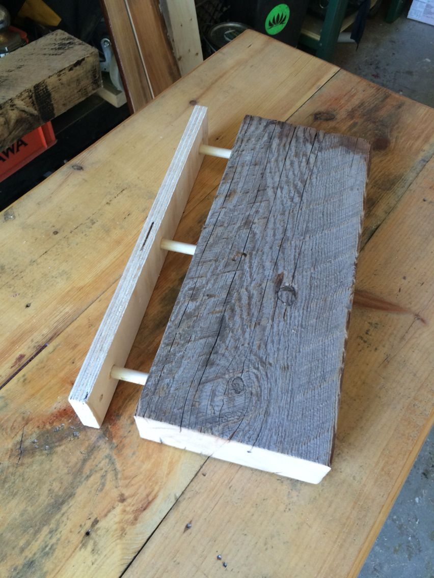 Floating Shelf Idea Using 1 2 Hidden Dowel For Support Floating Shelves Floating Shelves Bathroom Oak Floating Shelves