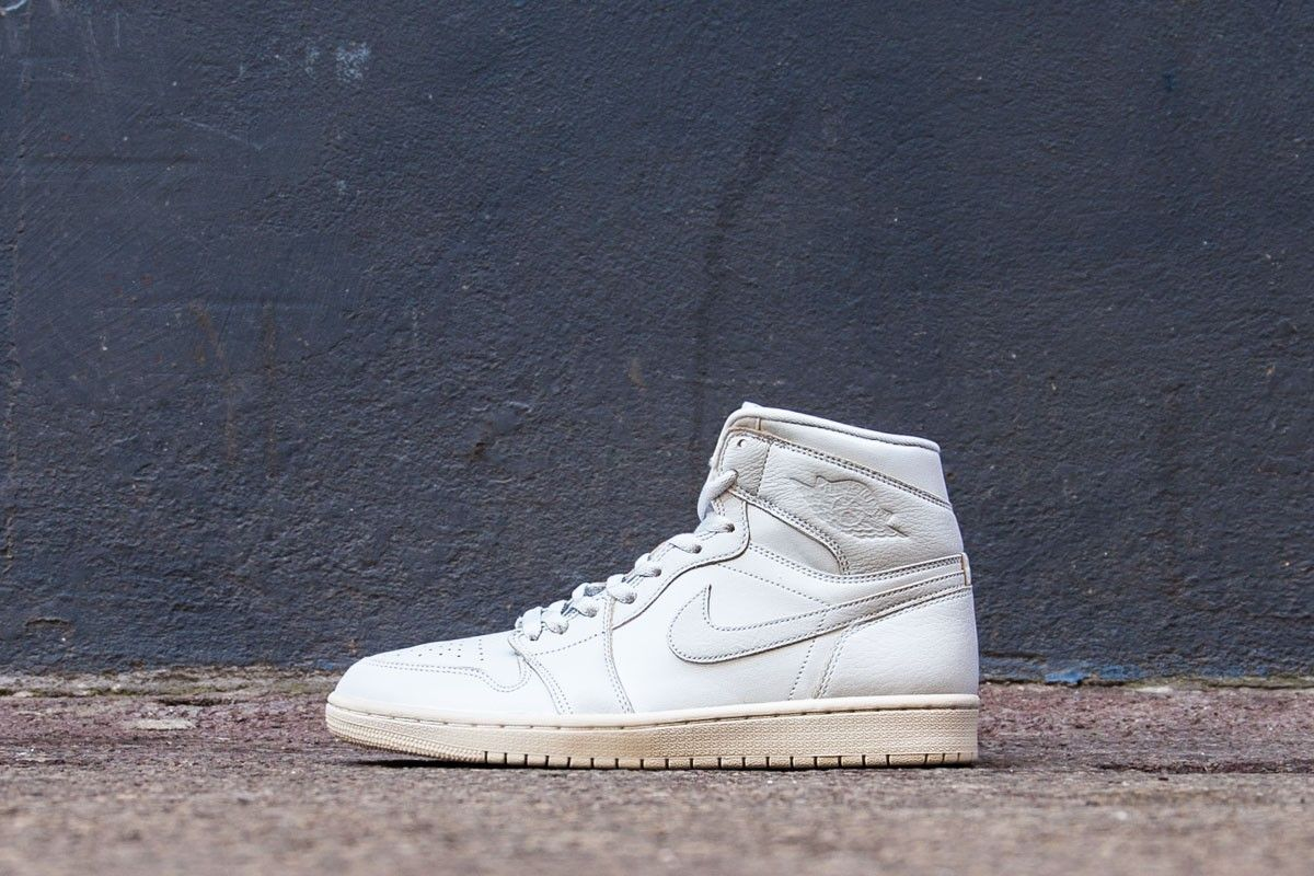 4fbd0934b051 Nike air jordan 1 retro high premium pure platinum