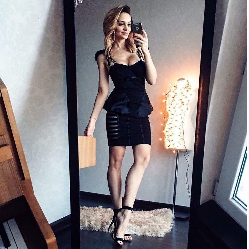 Sylwianowaq Wybrala Kreacje Na Sylwestra Wyglada Nieziemsko Dress Burleska Blondehair Dress Goddess Bodycon Dress Fashion Dresses