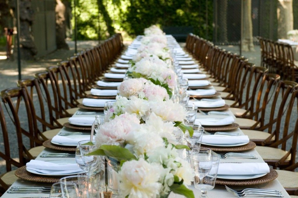 Wedding Centerpieces For Long Rectangular Tables Google Search Elegant Table Settings Wedding Table Settings White Wedding Flowers Centerpieces