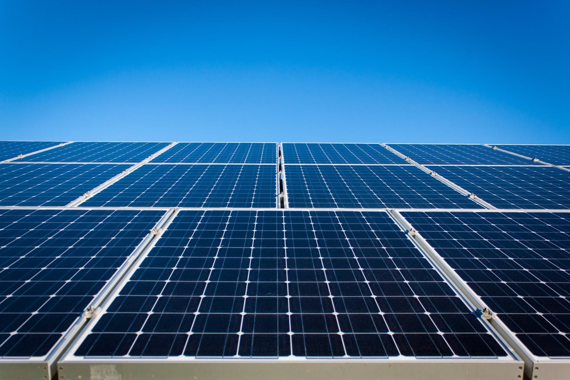 A New Report Says Solar Energy Could Grow 6 500 By 2050 Panneau Solaire Solaire Energie Solaire