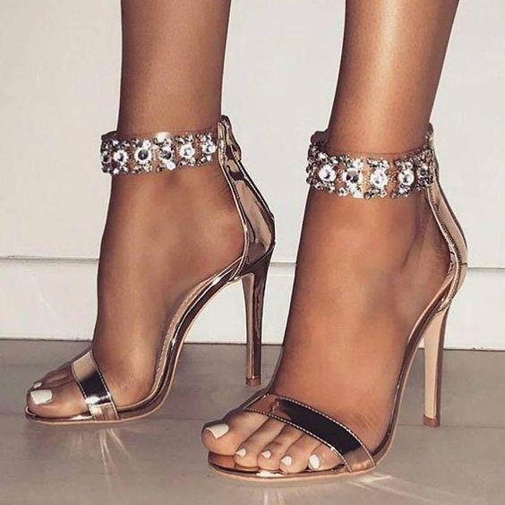 17262510a Sapatos chic e fantastico. Sandálias De Salto Alto De Salto Alto Com Zíper  De Strass Aberto Brilhante. De tudo um pouco  Sapatos glamurosos