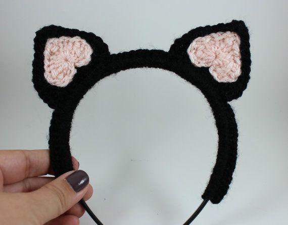 Simple Free Crochet Cat Pattern - Hooked On Patterns | 445x570
