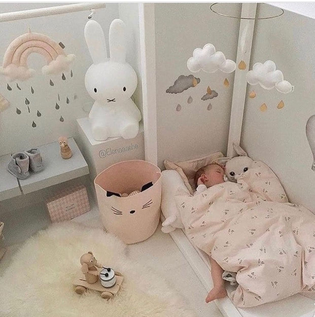 Déco chambre bébé petite | deco maison | Pinterest | Girls bedroom ...