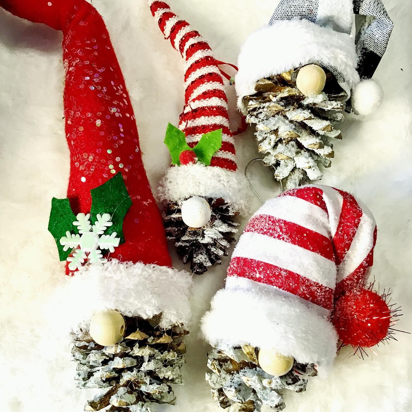 These Pinecone Gnomes Turned Out Adorable The Instructional Diy Video Is On My Facebook Pag Xmas Crafts Christmas Ornament Crafts Christmas Ornaments Homemade