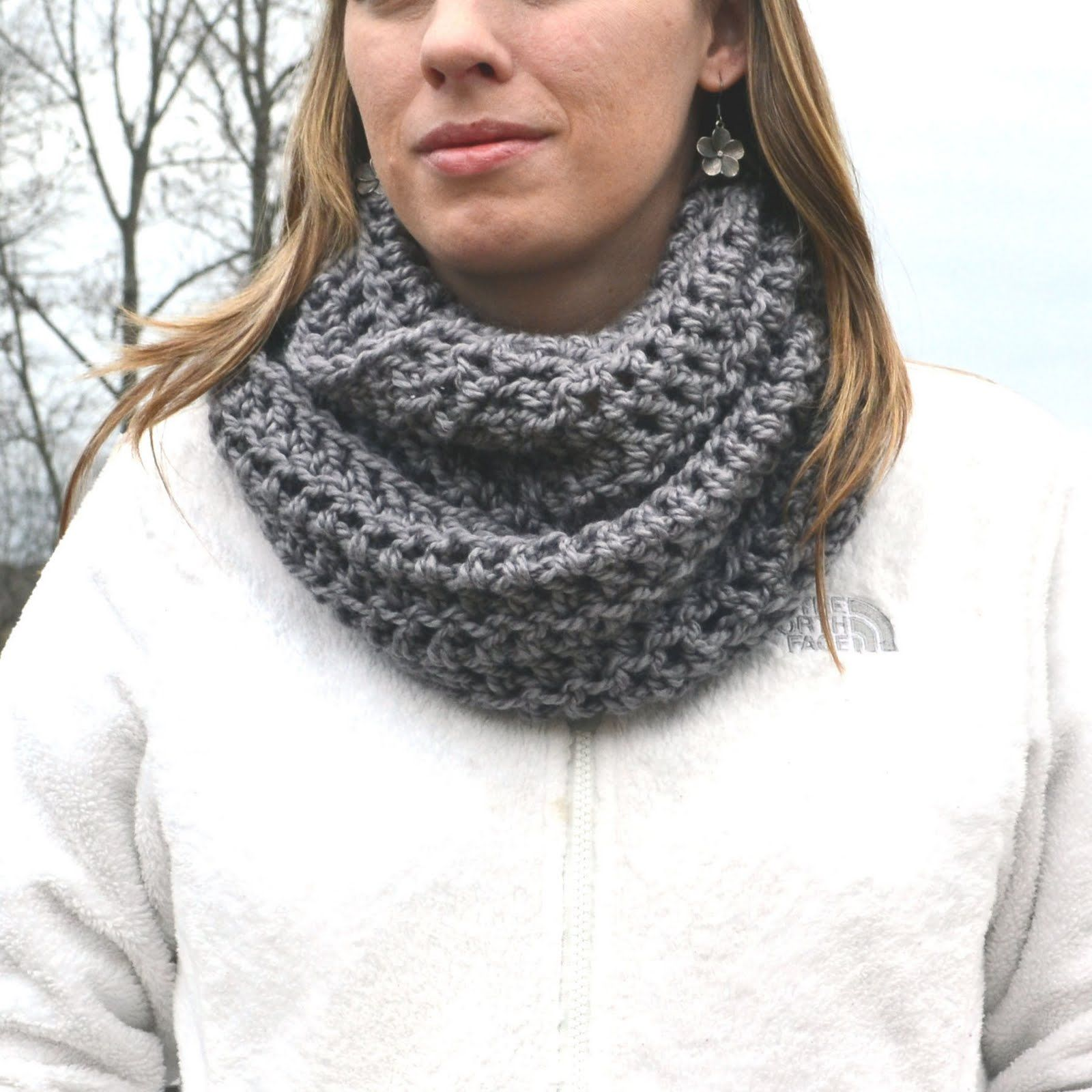 This cowl was an accident...hence the name. I didn't intend to make another cowl this winter and somehow I did.   I was actually try...