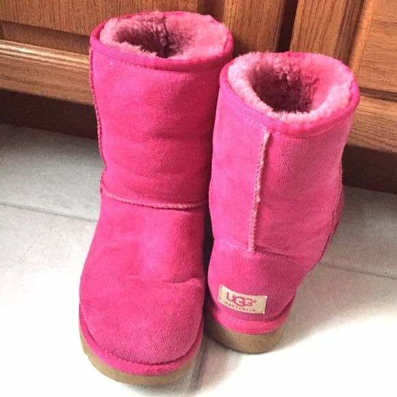 07035a52b2a Hot pink UGG boots Women hot pink UGG boots. So cute and girly! In ...