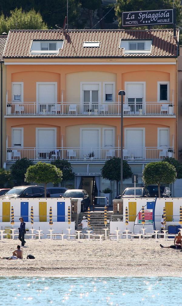 Meublè La Spiaggiola Numana (Marche) nel 2019 Case al