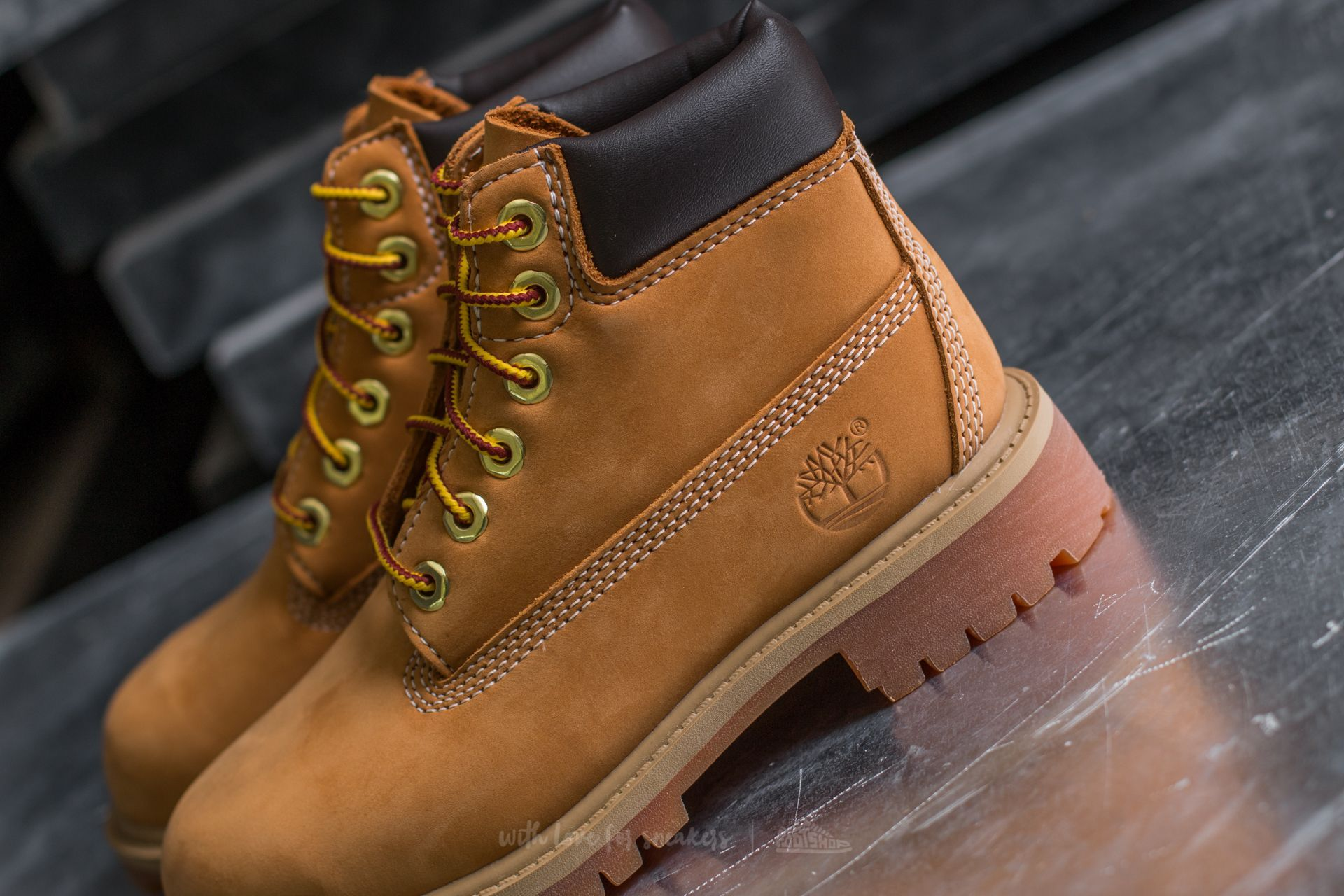 Timberland 6 In Premium Wheat Nubuc Yellow za skvělou cenu 3 190 Kč koupíte  na Footshop.cz b68328ccb4