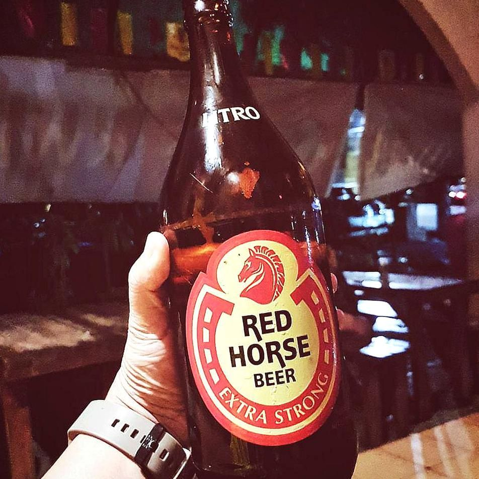 Red Horse Beerby Xavier Solis In 2020 Beer Photography Homemade Drinks Drinking Beer