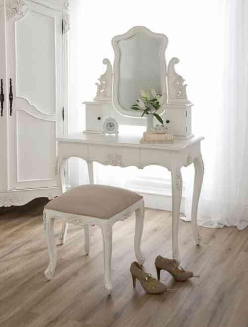 Chambre Style Baroque Luxueuse Et Pleine De Caractere Shabby