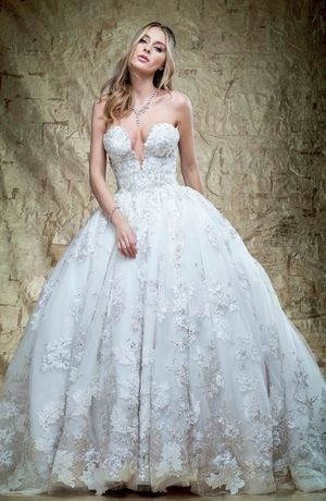 YSA Makino - V-Neck Ball Gown in Tulle | Wedding dress | Pinterest ...