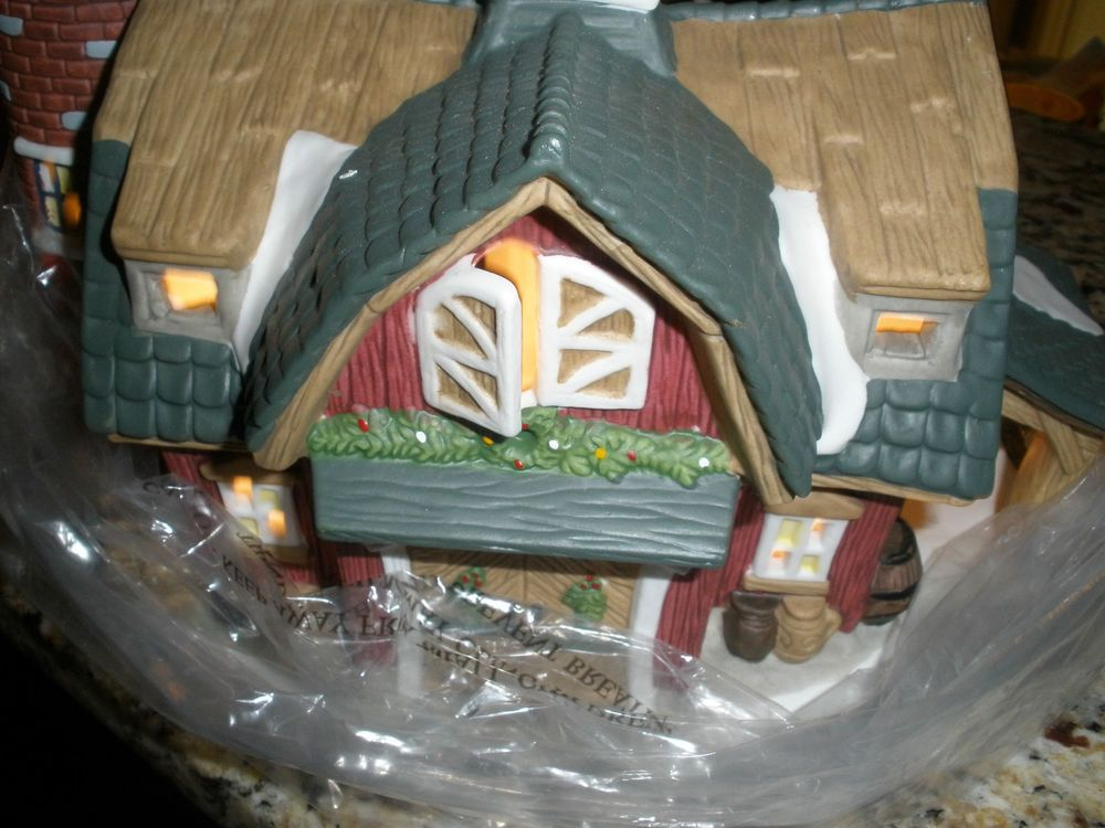 Lemax Carole Towne The Olde Barn old Carol Town Christmas ...