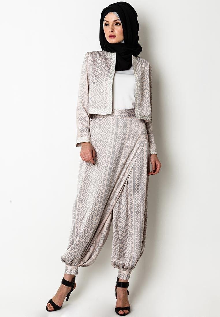 Ria Miranda Haru Collection  Desainer
