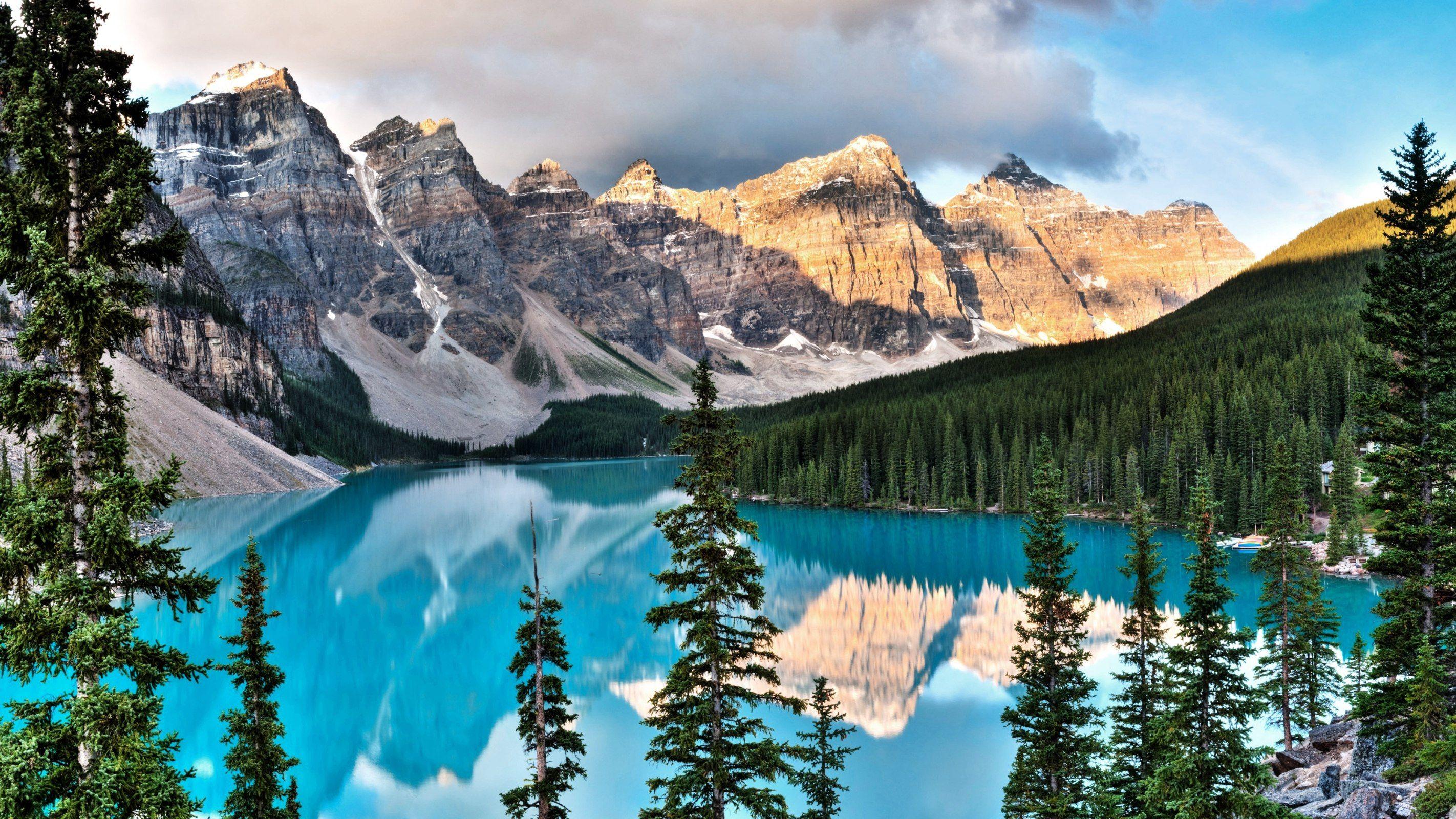 Beautiful mountain and lake scene wallpaper 2844x1600