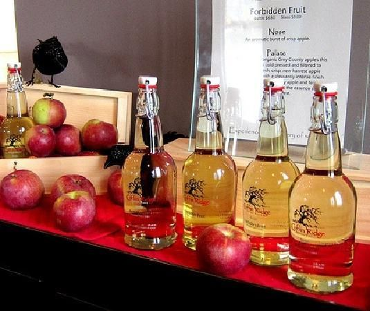 Coffin Ridge Winery Tours