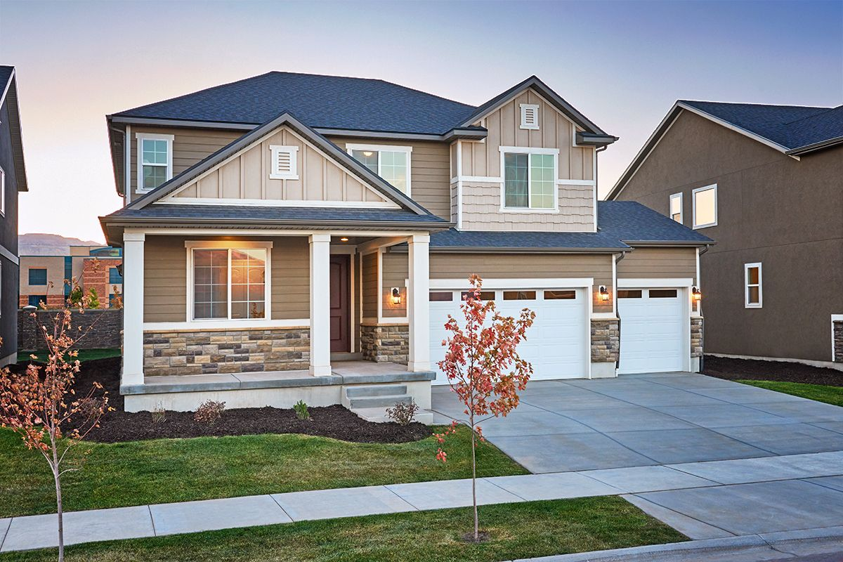 Check Out The Curb Appeal Of This Two Story New Home With Covered Front Porch Hopewell Model Home Anthe Richmond American Homes Richmond Homes Model Homes