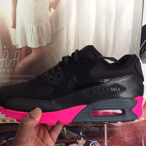 new arrival a693a 1f1b8 Nike Air Max 90, Black   Pink Nike Air Max 90. Women s Size US 8. Black    Pink color way. Perfect condition. Selling because I got the wrong size Nike  Shoes ...