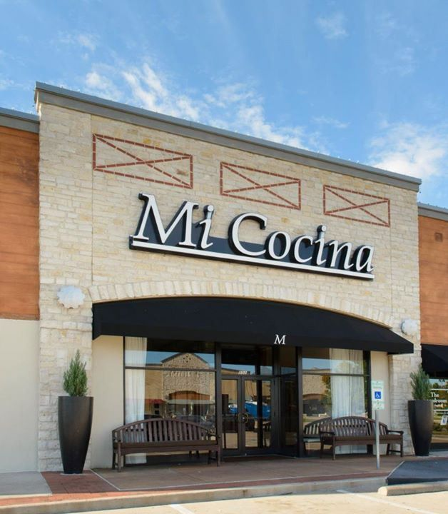 Mi Cocina In Lakeside Market Plano Tx Mexican Food And Mambo Taxis Enough Said