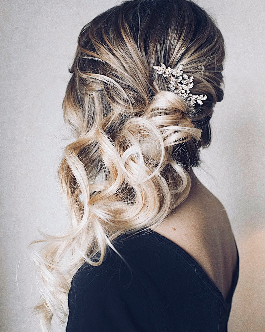 Side swept soft curls. A staple for sure! Happy Fourth of July weekend!