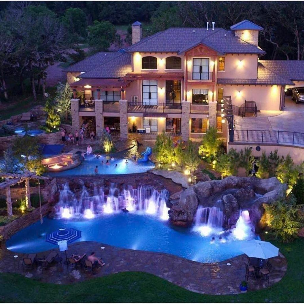 A Splash Of Luxurt For Your Life Via Www Arthomegarden Com Mansions Dream Mansion Dream Home Design