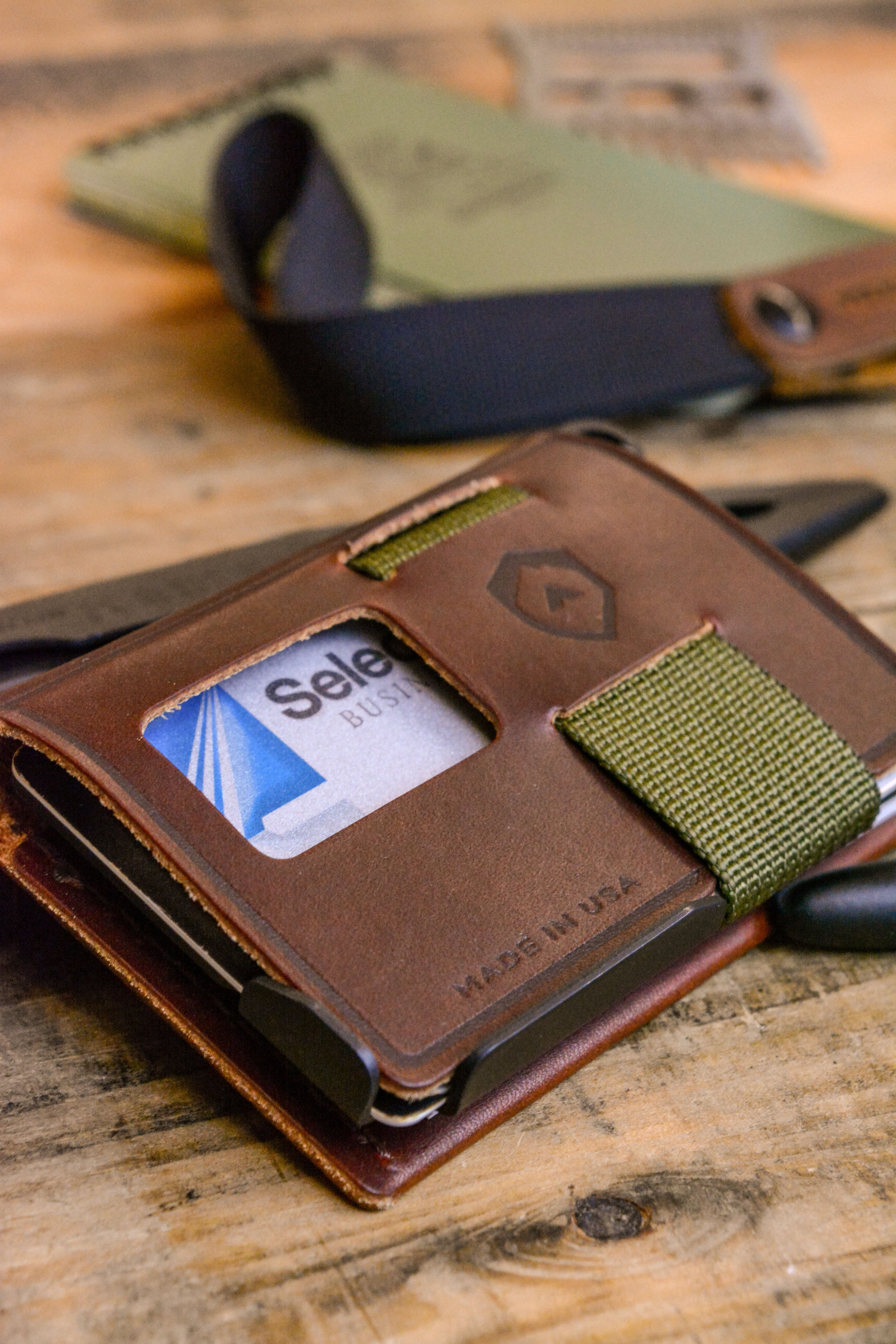 9596f9785494 Turn your metal wallet into a fine leather journal so you can quickly jot  down notes and keep your thoughts organized. Simply feed the straps of your  Summit ...