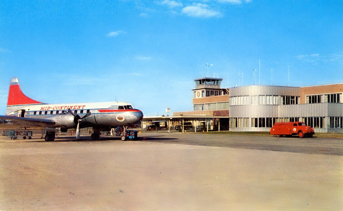 Des moines municipal airport late 1940s midcontinent