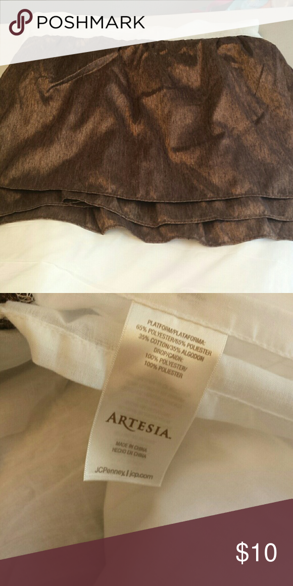 Queen Bed Skirt Brown New condition. Artesia Other