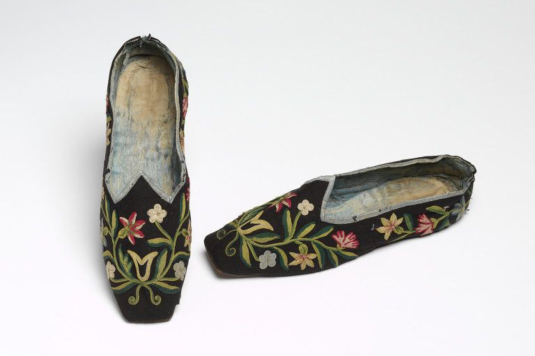 1800-1850, England - Slipper - Wool with appliqué braid, silk and leather
