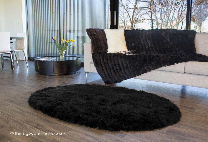 New Zealand Wool Black Sheepskin Oval Rug