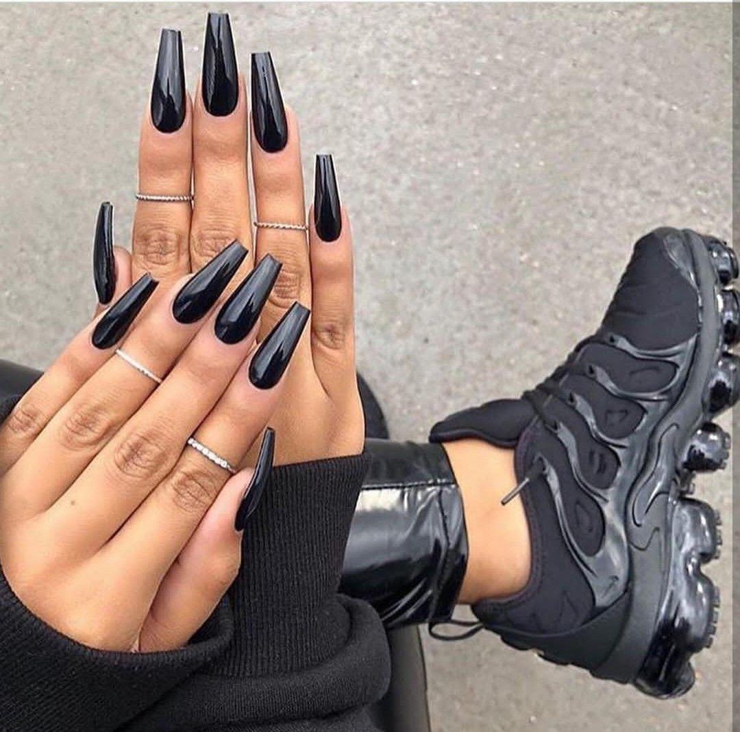 Nail Art Black Aesthetic Black Nails Glossy Long Black Nails Black Acrylic Nails Black Coffin Nails