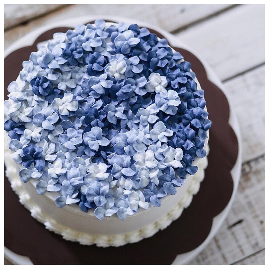 Blue Hydrangea Cake Beautiful Chic Yummy