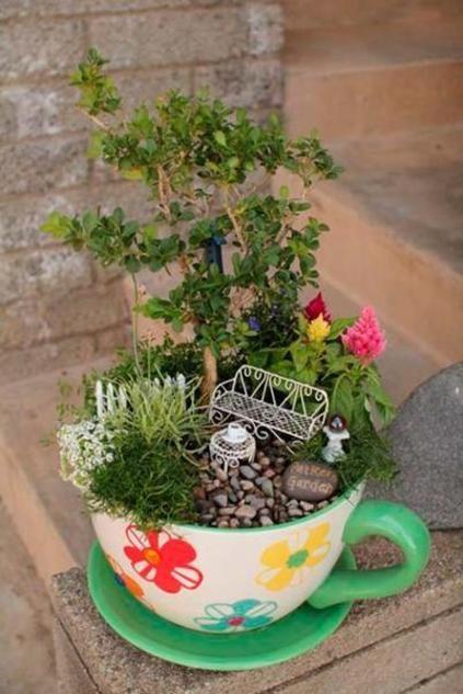 Estos mini jardines en tazas son tendencia Fairy and Gardens