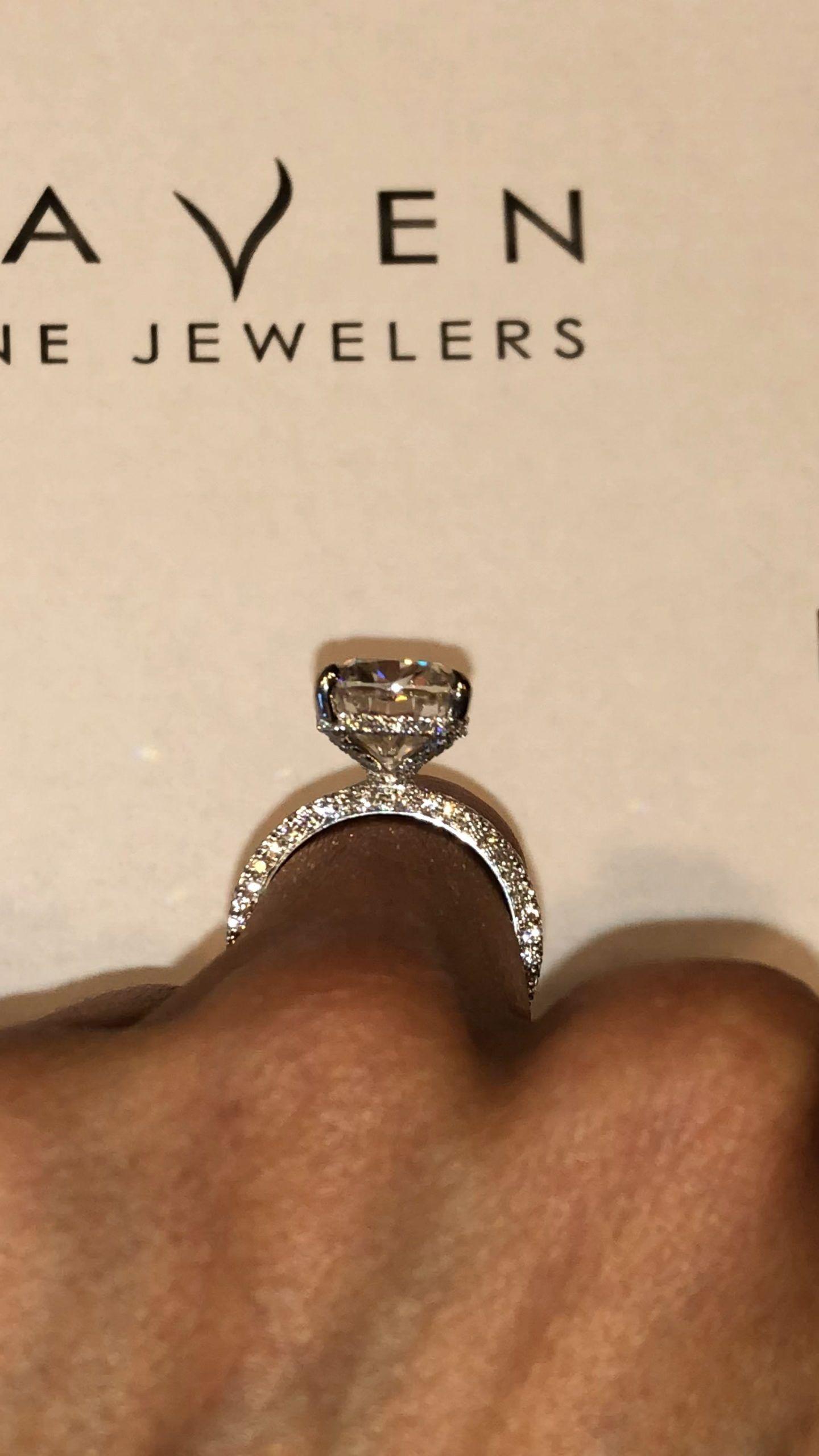 6 Karat Langliches Kissen Diamant Versteckt Halo Thre Luxury