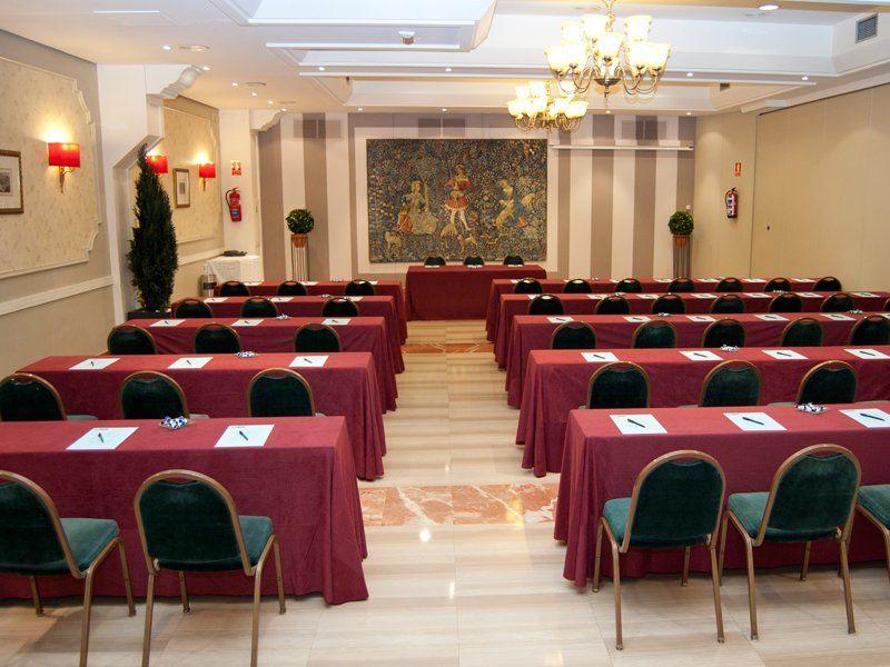 Salones para eventos reuniones congresos y conferencias - Decoracion etnica salones ...