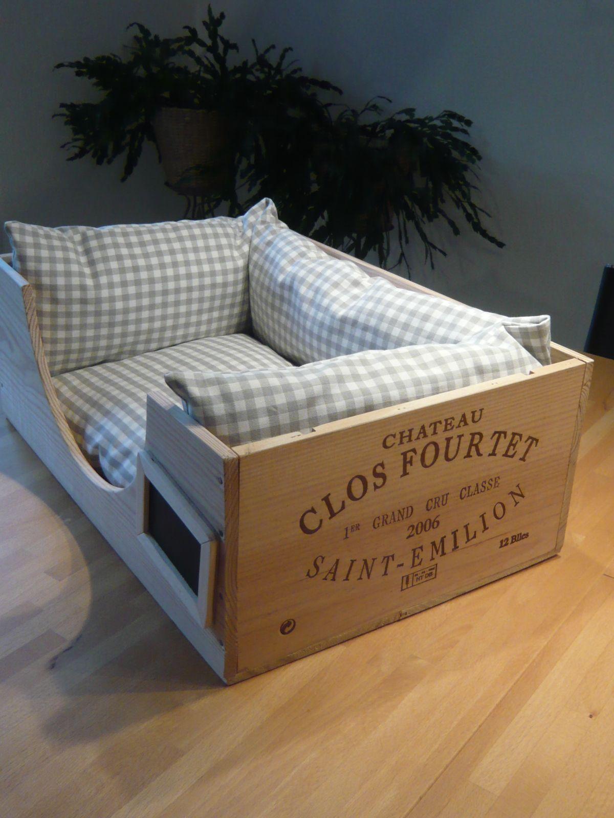 kuscheliges katzenbett aus gebrauchter weinkiste diverse. Black Bedroom Furniture Sets. Home Design Ideas