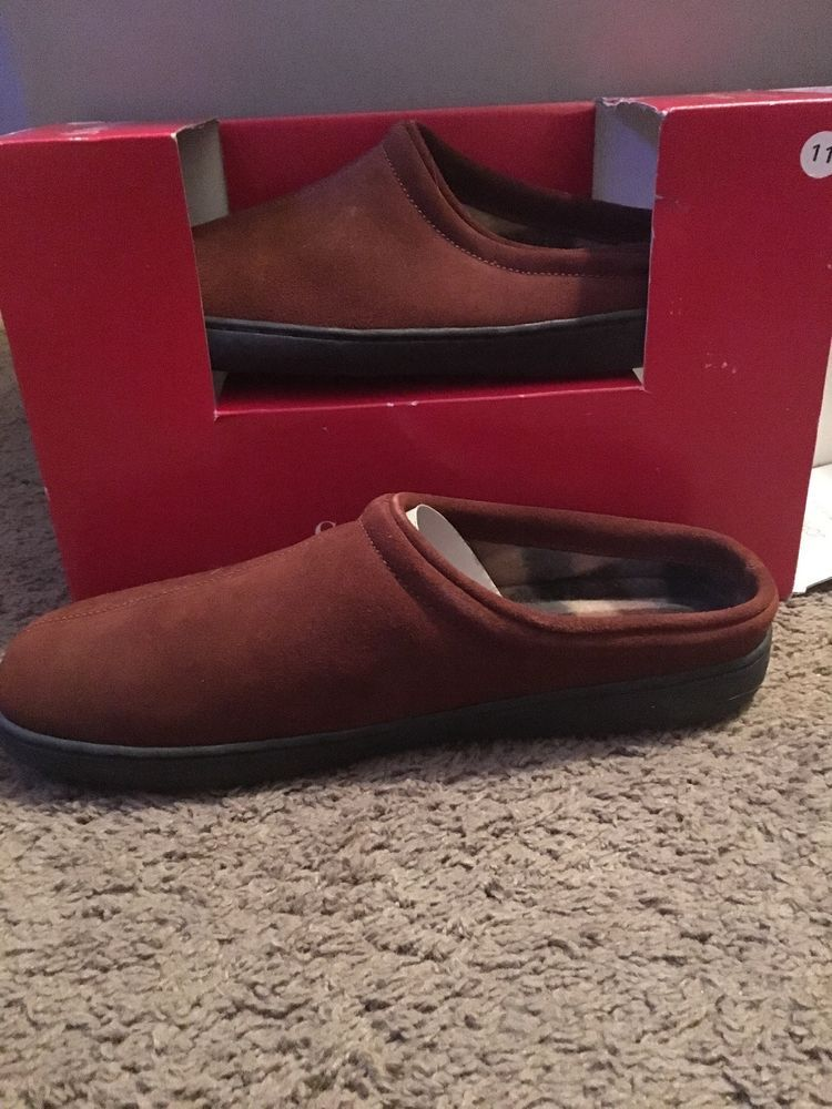 St Johns Bay Mens Slippers NWT Rust