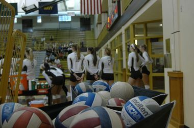 Lehigh Volleyball Falls To American 3 Sets To 1 Women Volleyball Volleyball Team Lehigh