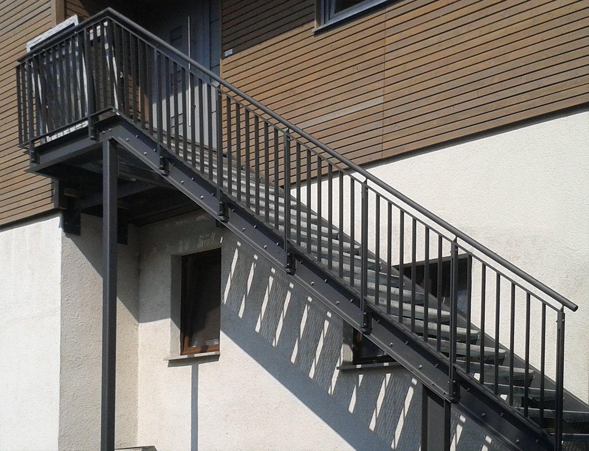 pin by anna on k ls l pcs k au entreppe stahl treppe. Black Bedroom Furniture Sets. Home Design Ideas