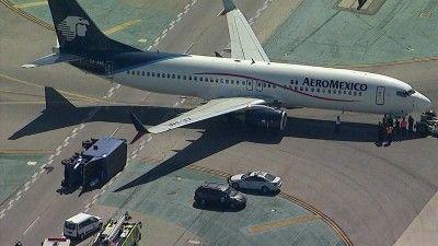 Ocho Heridos al chocar avión de Aeromexico con camión en aeropuerto Los Ángeles